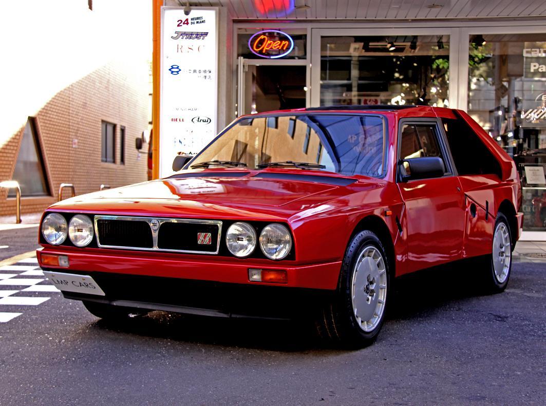 出典:http://www.lmpcars.com/20090906/lancia-delta-s4-stradale-2/