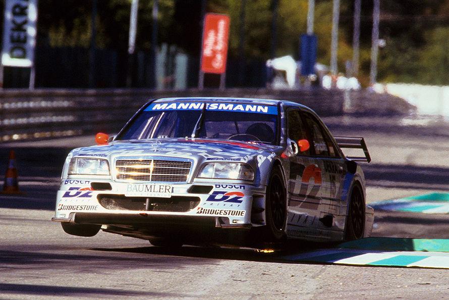 市販車の面影はほぼ無い。旧DTMの優勝マシンは、改造しすぎのモンスターだらけ!