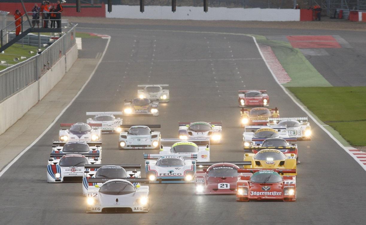 出典:http://www.derekbell.com/article/real-classic-classic-2012-silverstone-classic-powered-aa