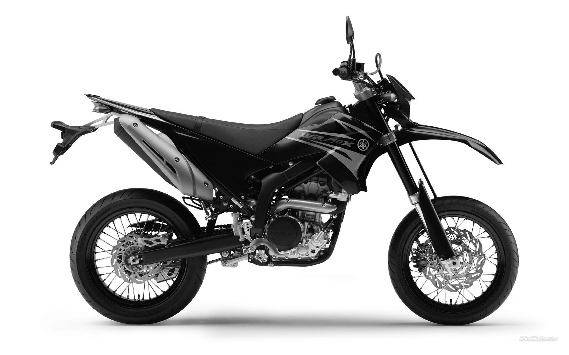 出典:http://wallpaperbeta.com/yamaha_sport_roadster_wr250x_2008_moto_hd-wallpaper-154140/