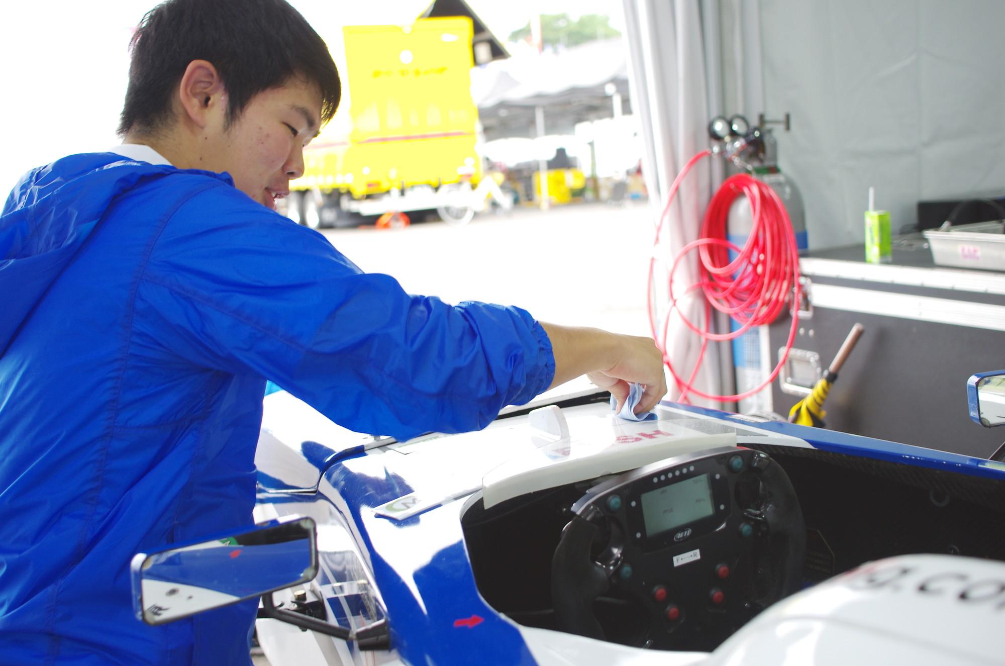 FIA-F4 根本悠生