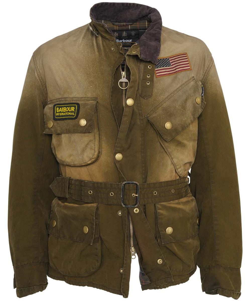 ユーズド加工が施されたマックイーンのレプリカ・モデル。出典:http://www.titulares.us/mens-barbour-steve-mcqueen-sunblast-jacketbarbour-international-p-295.html#.WATgmjtFtE4