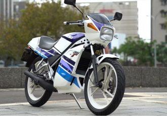 原付に大型バイクの機能をつけちゃいました。スズキRG50γは多くのライダーを育てた名車。