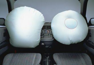 交通事故から命を守るために。エアバッグ搭載車の正しい乗り方を知っておこう。