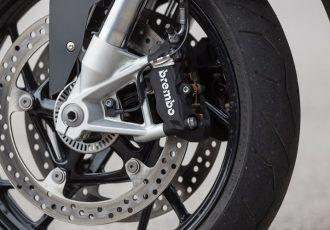バイク用ABSの義務化が日本で遅れた理由とは