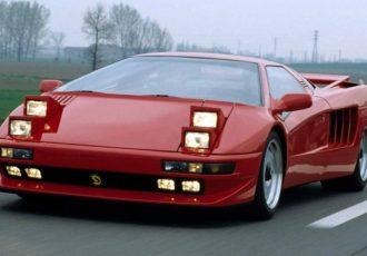 スーパーカーなのにダサい!?チゼータV16Tはヘッドライトがちょっと気になる。