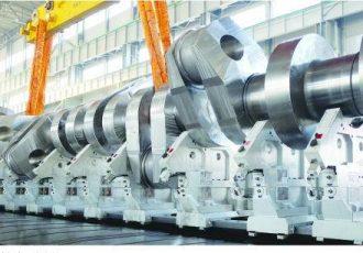 タンカーのエンジンって見たことある?巨大すぎるエンジンを自動車と比較してみた。