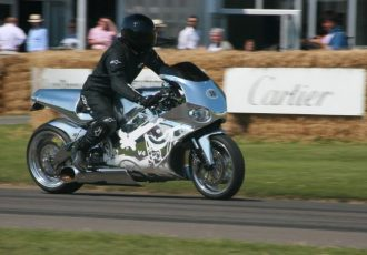 バイクにジェットエンジン積んだら後ろのクルマが溶けちゃった…【魔改造マシン4選】
