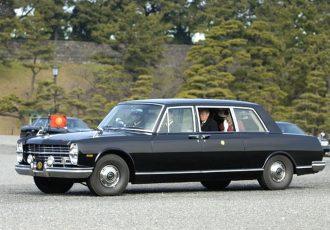 天皇陛下の愛車を紹介!初の国産V8エンジンを搭載した日産 プリンスロイヤル