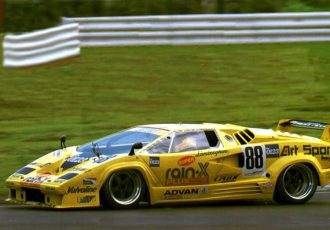 スーパーカーブーム世代の憧れ!カウンタックは日本でランボルギーニを有名にした名車。
