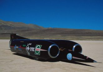 速いなんてレベルじゃない!!最高速1227km/hのクルマを知っていますか?