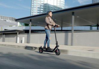 次世代型パーソナルモビリティ!!公道走行可能なキックボードeXs1/eXs2発売!