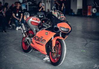 世界最速の2ストレプリカ!?アプリリアRS250は今もライダーたちが憧れる名バイク!