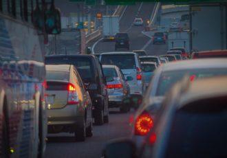 意外と知らない!?高速道路のSA・PAが満車だったらどうしたらいいの?