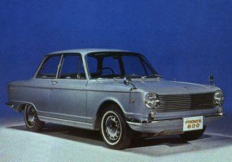 初の国産小型FF乗用車!1960年代スズキ唯一の小型車フロンテ800