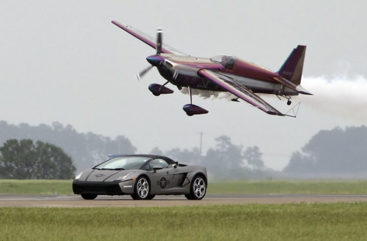 car and plane 001