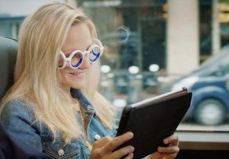 かけるだけで乗り物酔いしない!?シトロエンが開発したメガネが画期的すぎる!