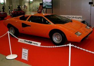 スーパーカーの代表的な車!ランボルギーニ・カウンタック(LP400)