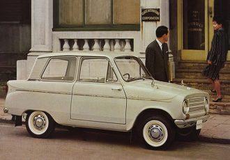 FRレイアウトに自動車らしいシルエットと広々トランクが大活躍!三菱360/初代ミニカ