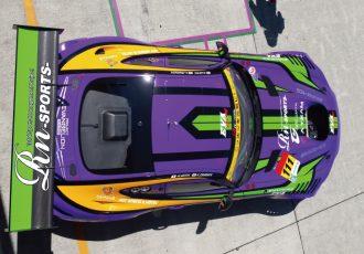 車体はキャンバス!?インパクトが強いレーシングカー